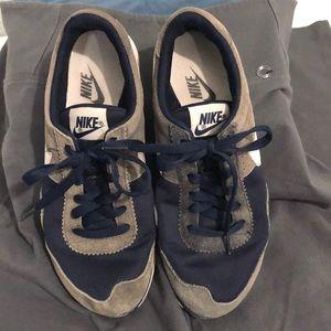 Nike ladies suede navy & grey runners